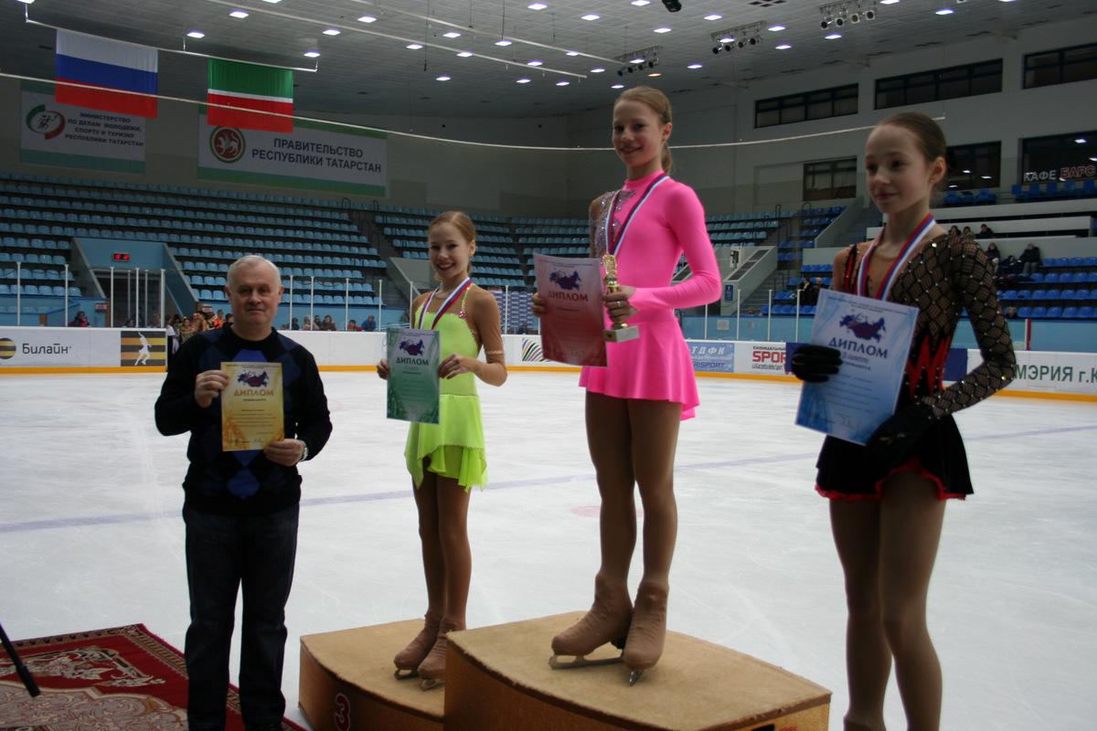 Головлев В.Д. - тренер победителя соревнований Евгении Тарасовой